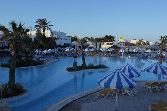 Winzrik Resort & Thalasso Djerba : zwembad