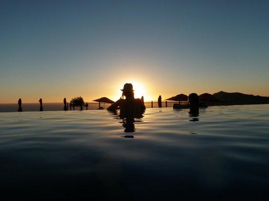 Pueblo Bonito Sunset Beach: Sunset at the Sky Pool!