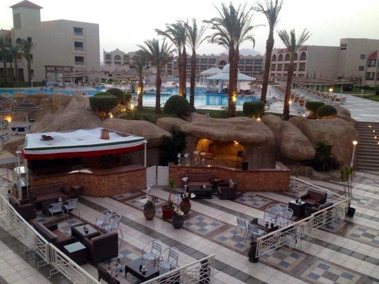 Tirana Aqua Park Resort: The view standing on the decking overlooking the shisha bar
