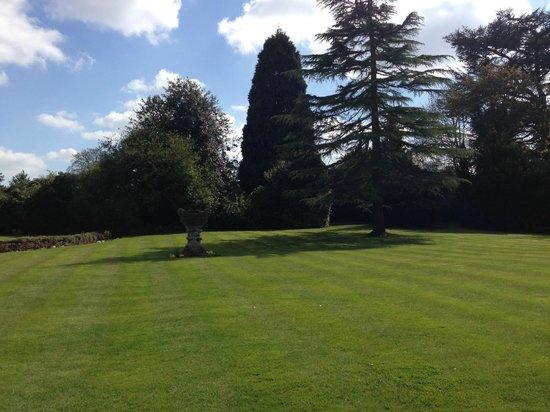 Mercure Burton Upon Trent Newton Park: Garden