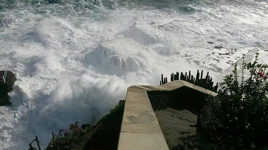 Charco Azul: Wild sea!!