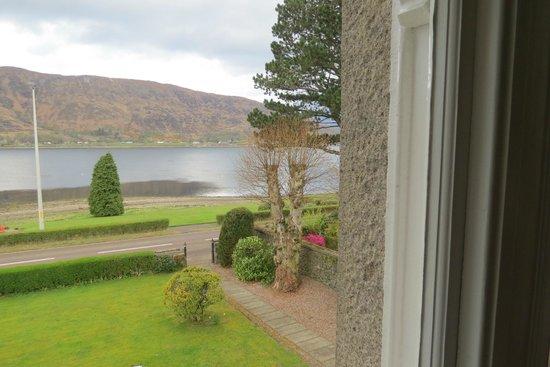 Buccleuch Guest House: vue de la chambre sur le loch