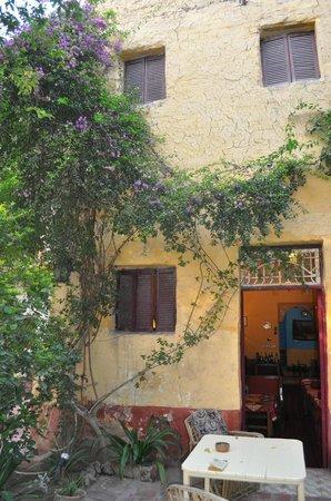 La Maison de Pythagore: les chambres donnant sur la terrasse intérieure