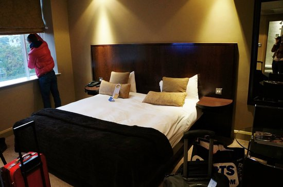 Radisson Blu Edwardian Grafton Hotel: Chambre lit king size au 2ème étage