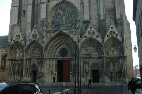 Notre Dame Cathedral: Bayeux cathedral - main facade with an entrance