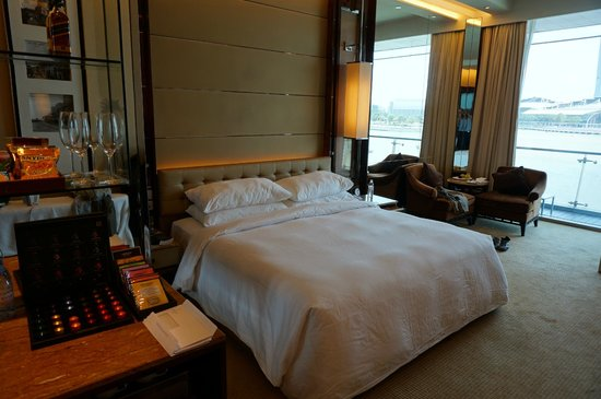 The Fullerton Bay Hotel Singapore: The room