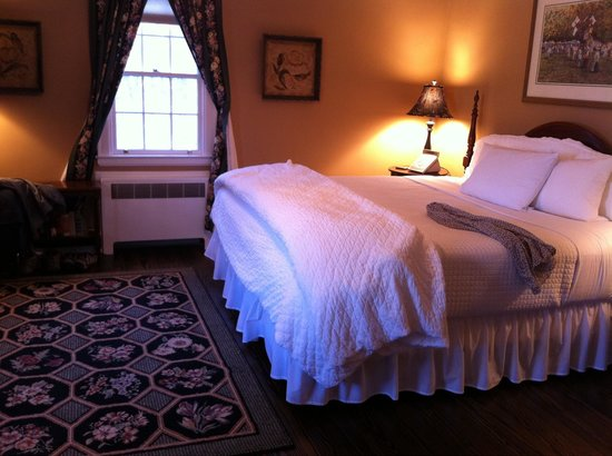 The Inn at Turkey Hill: Comfy bed