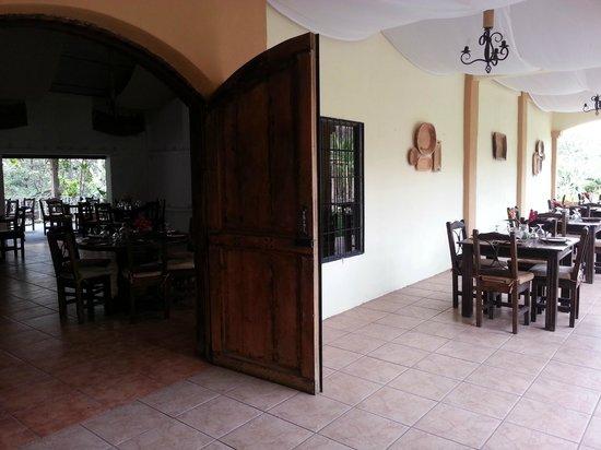 Zamora Estate Hotel: Terraza Guanacaste y Salón principal