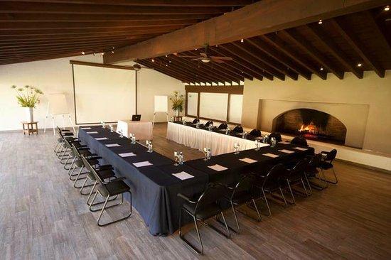 Salon de reuniones jard n con todo para sus eventos de negocios picture of hotel avandaro - Salon de jardin casino ...