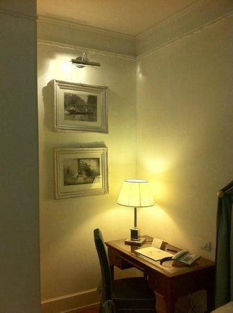 Hotel Executive Florence : Habitación