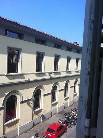 Hotel Executive Florence : Vista desde una de las ventanas de la habitación