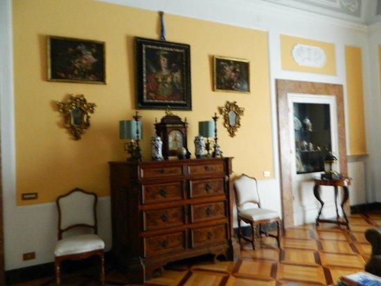 Villa San Gennariello b&b : salone al piano superiore