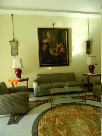Villa San Gennariello b&b : uno dei saloni a piano terra