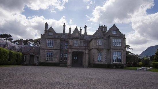 Killarney National Park: Muckross House