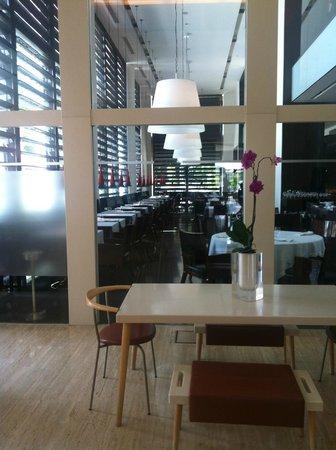 Hotel Puerta América: ristorante piano terra