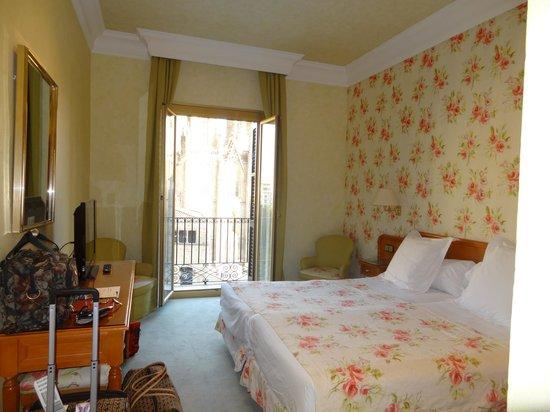 Colon Hotel: Our room