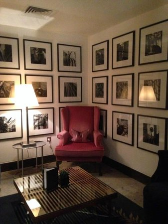 The Marylebone: Cozy reading areas