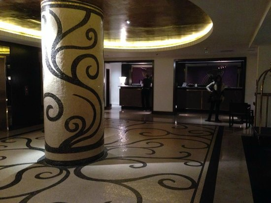 The Marylebone: Lobby