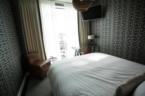 DoubleTree by Hilton Hotel Amsterdam - NDSM Wharf: 7th floor room