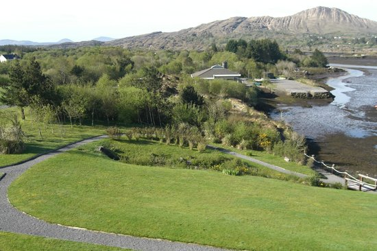 Sneem Hotel: Hotel grounds