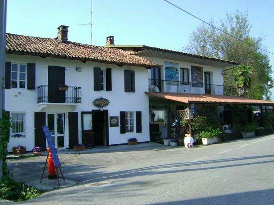 Trattoria Bar Il Tavernone: Panoramica di: IL TAVERNONE.