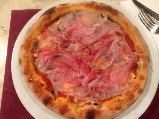 Pizzeria Leon d'Oro: Buona!