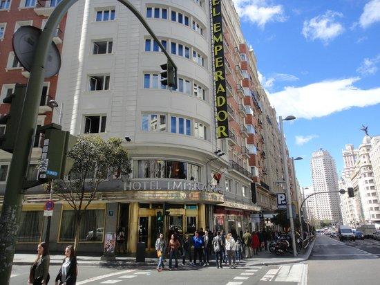 Emperador Hotel Madrid: Facade de l'hotel