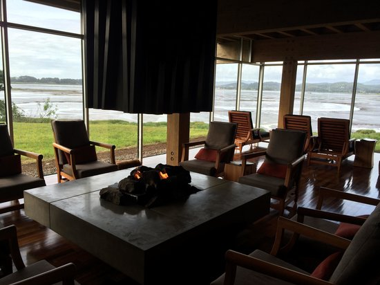 Salishan Lodge and Golf Resort Spa: The waiting lounge