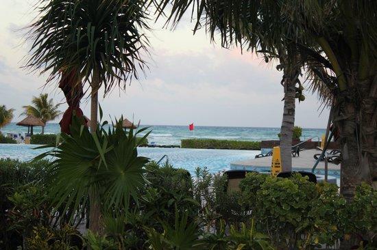 The Royal Haciendas All Suites Resort & Spa: infinity pool