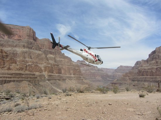 Serenity Helicopters : Our sister helicopter taking off from the Canyon