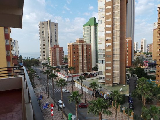 Presidente Hotel: main road