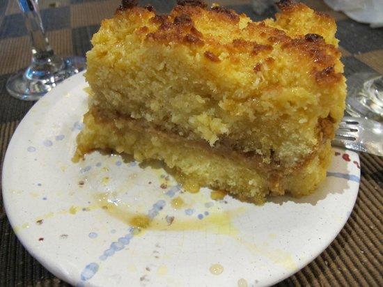 El Buen Suspiro: Torta de coco com recheio de doce de leite.