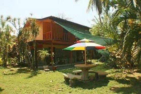 Albergue La Piña B&B: La Piña Lodge