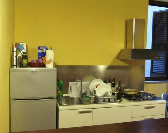 Boutique Hotel Campo de Fiori: The furnished kitchen in our apartment -- where my wife cooked Easter dinner.