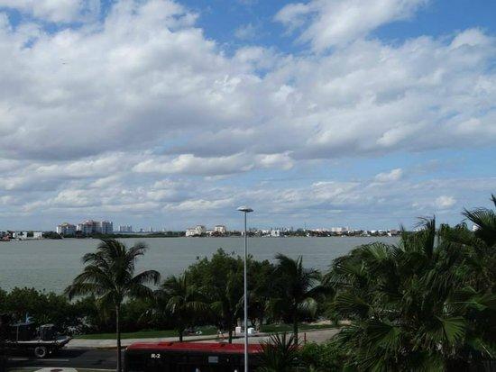 NYX Hotel Cancun : Vista a la laguna
