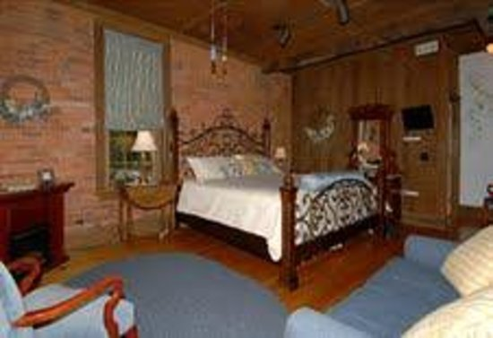 Mill House Bed and Breakfast: The Edward Howard Room