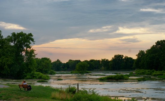 Mill House Bed and Breakfast: Sunset on the Maumee River