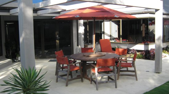 104 on Moore Bed & Breakfast: Enjoy our sun-drenched patio