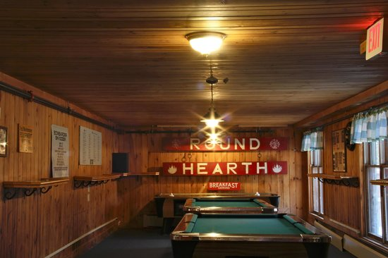 The Round Hearth at Stowe : The game room.