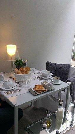 THE 4ROOMS: Desayuno