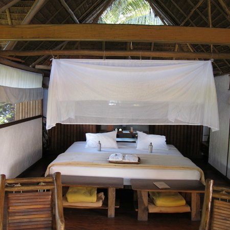 Inkaterra Reserva Amazonica: Bed with mosquito netting