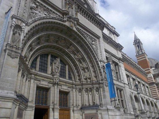 V&A  - Victoria and Albert Museum : Frente