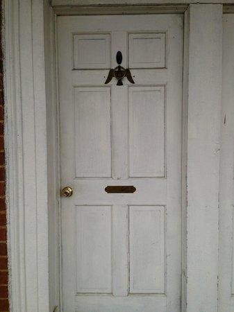 Lafayette Inn and Restaurant : Monroe Room door