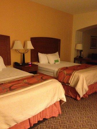 La Quinta Inn & Suites Lawton / Fort Sill: Suite Room View 2