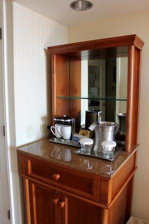 Hilton Hawaiian Village Waikiki Beach Resort : Coffee Station - fridge was in the bathroom