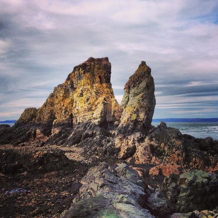 Cape Split Hiking Trail: The 'Split' From Below (Low Tide)