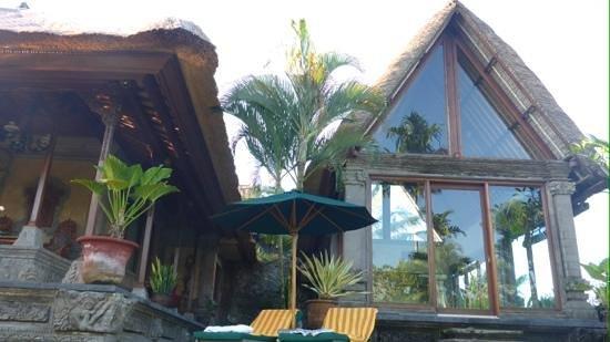 The Royal Pita Maha: Royal House dining room