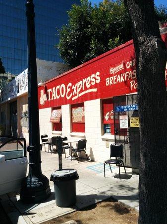 Taco Express: Street view