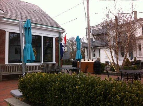 Joe Coffee & Cafe: The patio
