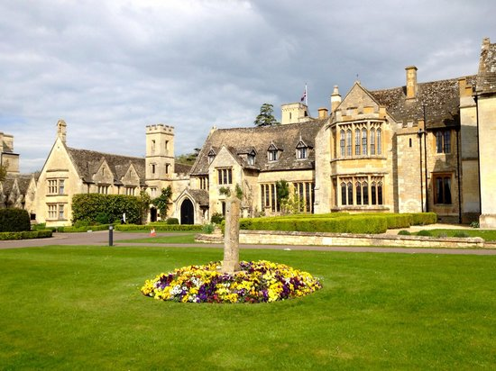 Ellenborough Park : Front exterior
